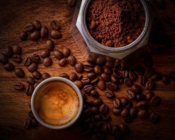 Perfekte Crema – als Schaumkrone auf Kaffee und Cocktail.
