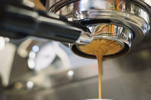 Kaffee ist der größte Genuss, wenn er direkt vom Profi zubereitet wird.
