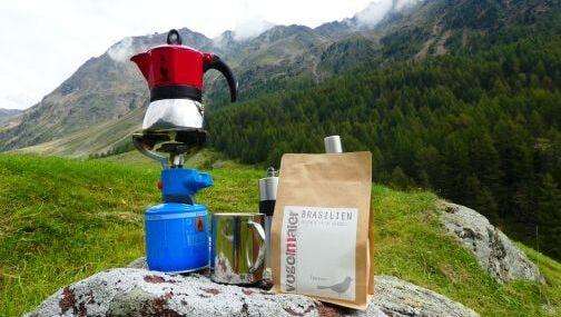 Vogelmaier-Kaffee kochen in den Südtiroler Bergen mit einem unserer Kaffees