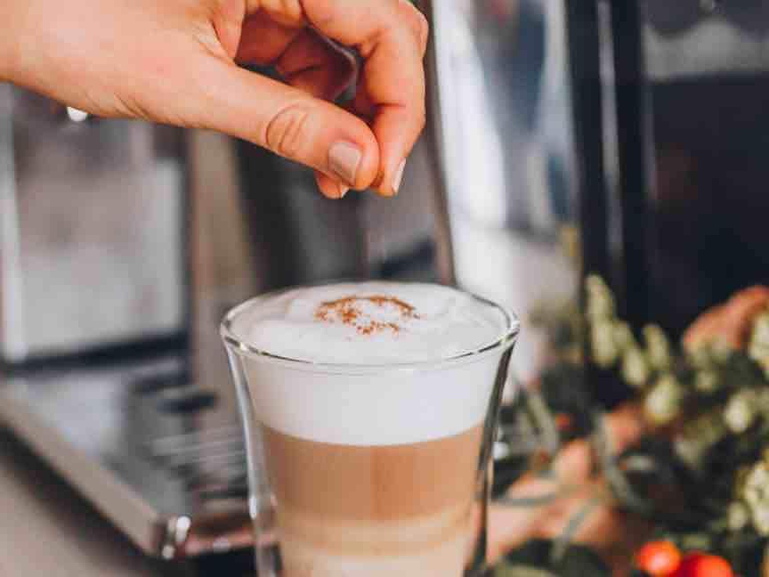 De'Longhi manual coffee machine